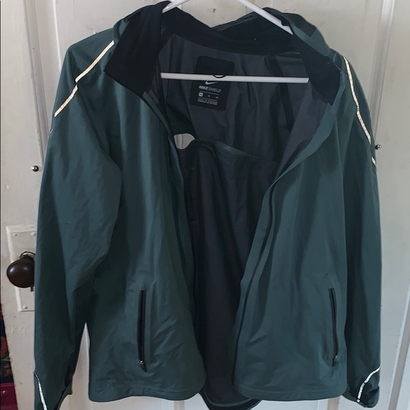 nike running reflective jacket